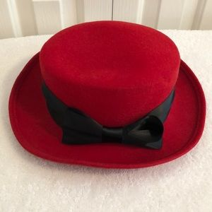 100% red wool hat with black bow sash 22 1/2 round